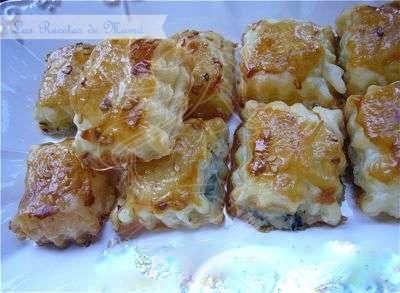 Bocaditos de hojaldre y Roquefort