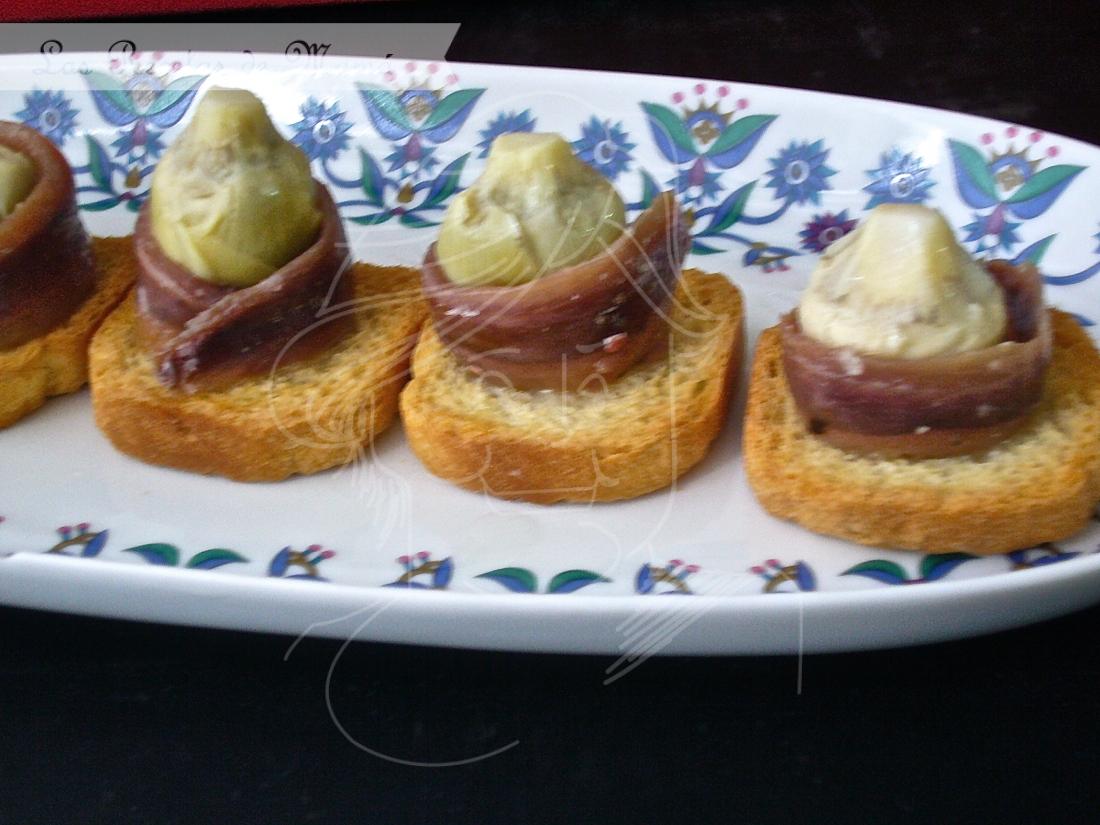 Canapés de anchoas y alcachofitas