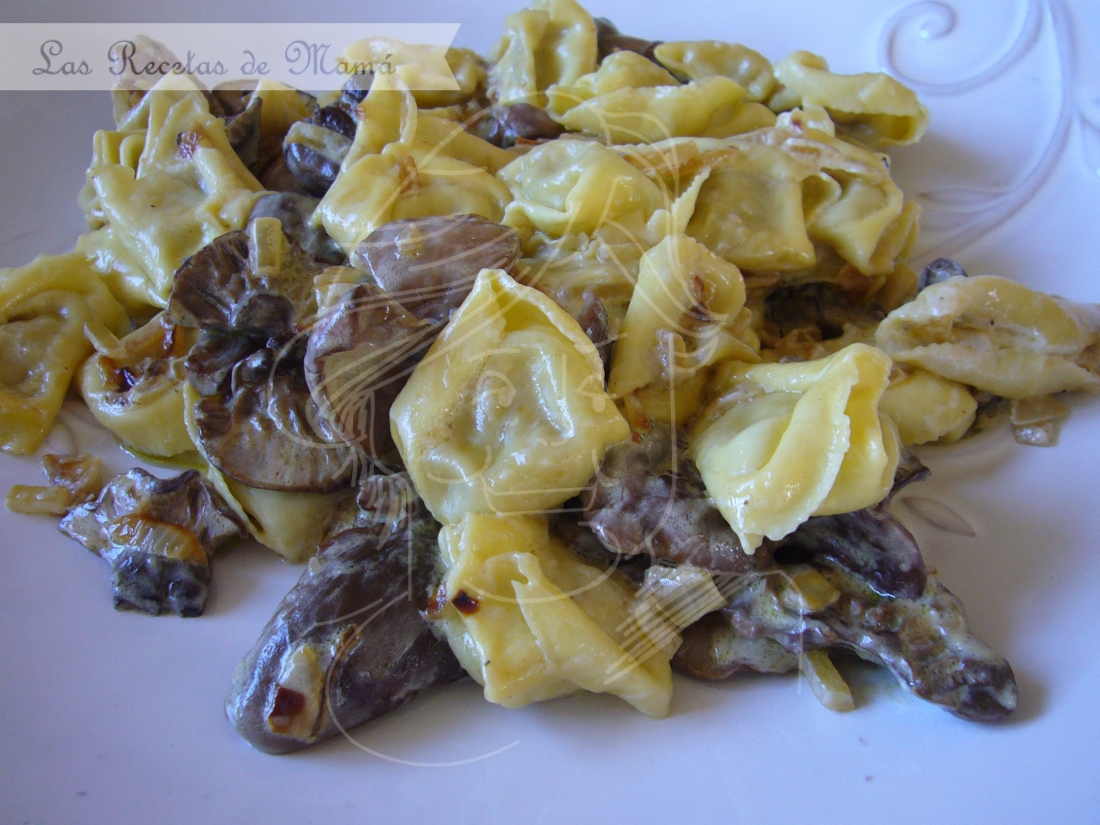 Tortellini de Gorgonzola con duxelle de pie azul