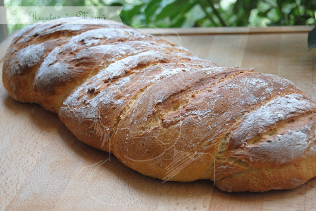 Hogaza de pan con avena y patata