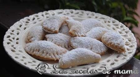 cannoli con forma de empanadillas