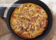 Tortilla de patatas y pimientos rojos asados