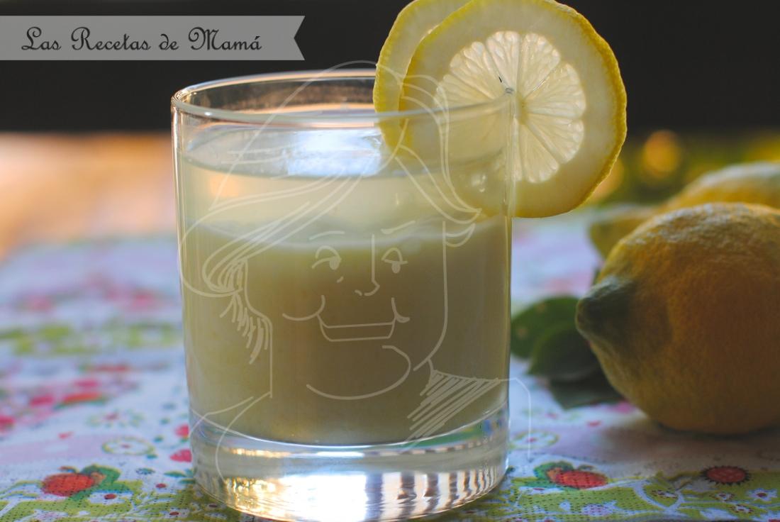 Mousse de limón con gelatina de gin tonic