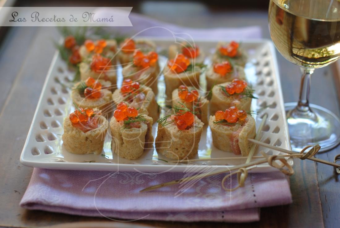 Rollitos de crepes y salmón