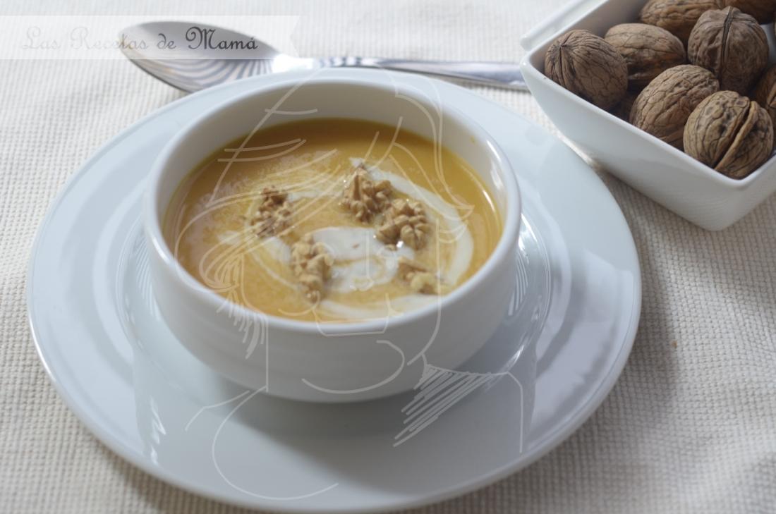 Crema de calabaza y manzana con Gorgonzola y nueces