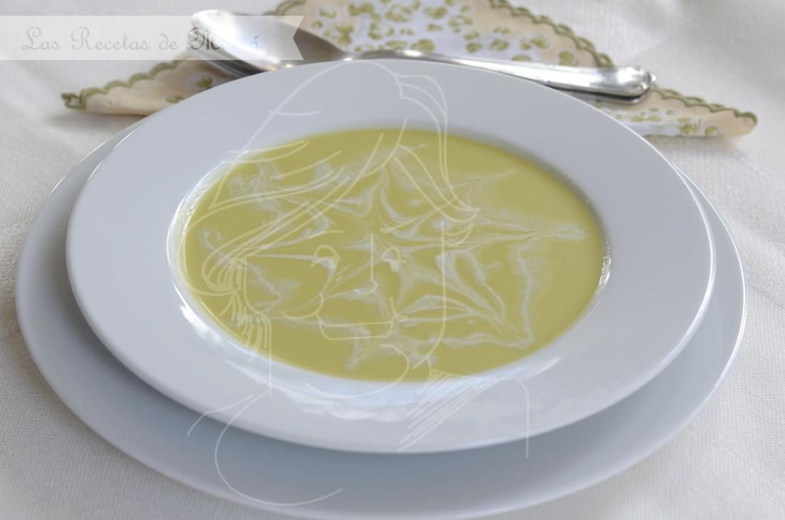 Crema de espárragos verdes con queso Gorgonzola