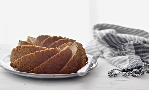 Bundt cake sencillo de nata. Video receta