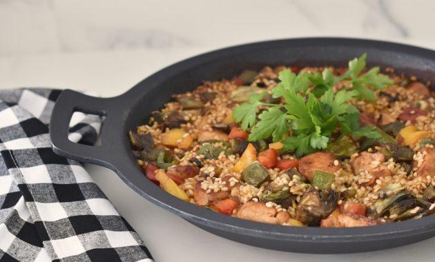 Arroz con pollo y verdura en paella. Video receta