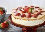 Mousse de yogur con fresas. Video receta
