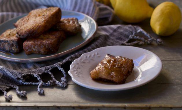 Torrijas clásicas de leche y miel. Video receta